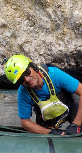 Patrick Frehner, international zertifizierter Instruktor und Expert auf Kanadier, WW Kajak, Seekajak, Wildwasserrettung, Outdoor- und Survivalguide